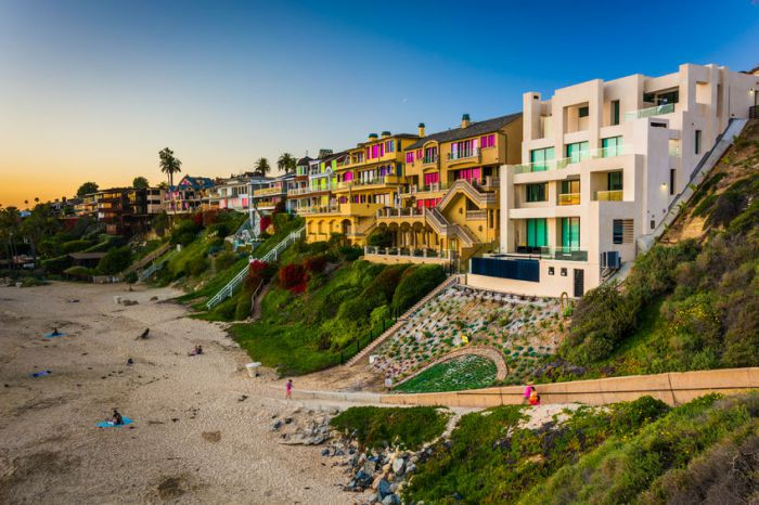 Corona del Mar Condos South of Pacific Coast Highway